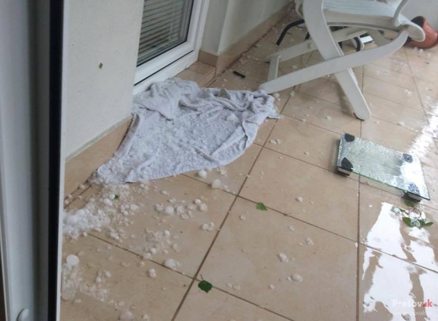 Fotografie po včerajšej búrke, padali aj krúpy, foto 1