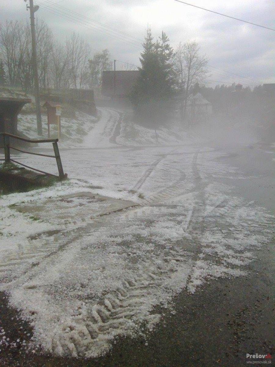 Fotografie po včerajšej búrke, padali aj krúpy, foto 2