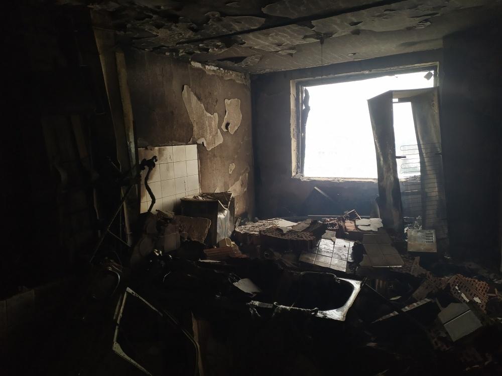FOTO: Aktuálne zábery priamo z bytovky zasiahnutej výbuchom plynu, foto 6