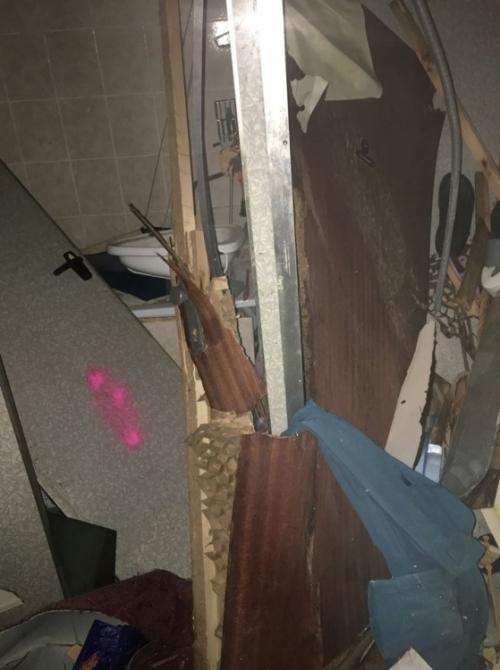 FOTO: Aktuálne zábery priamo z bytovky zasiahnutej výbuchom plynu, foto 12