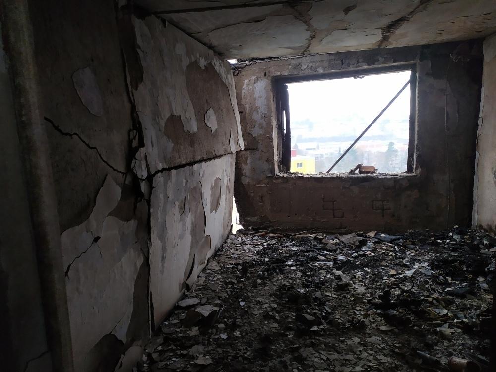 FOTO: Aktuálne zábery priamo z bytovky zasiahnutej výbuchom plynu, foto 2
