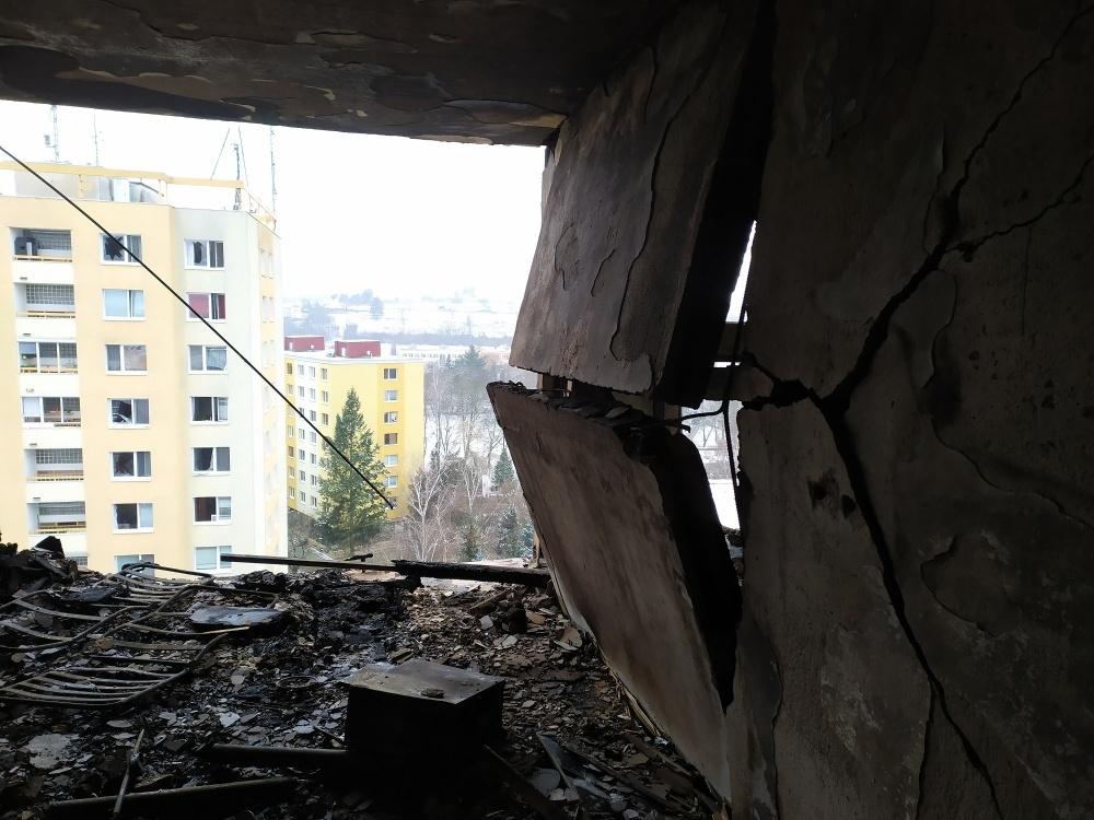 FOTO: Aktuálne zábery priamo z bytovky zasiahnutej výbuchom plynu, foto 1
