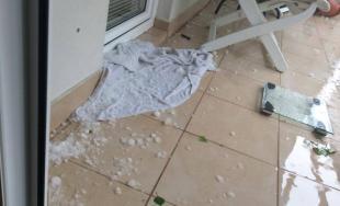 Fotografie po včerajšej búrke, padali aj krúpy
