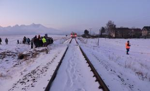 Osobný vlak zrazil chlapca